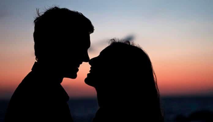 Zašto ste mu tako privlačni: Žena Bik – pripremite se na veliku privlačnost, žena Ovan – neobjašnjiv miris!
