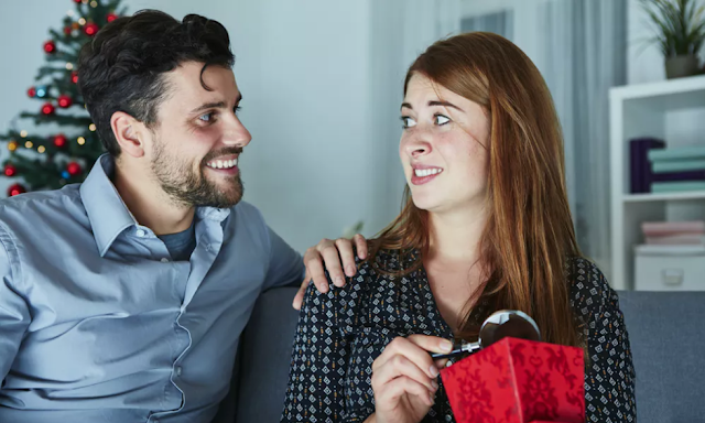 Stvari koje se ne poklanjaju partneru – Sat i minđuše bi mogli ukazati na kraj ljubavi